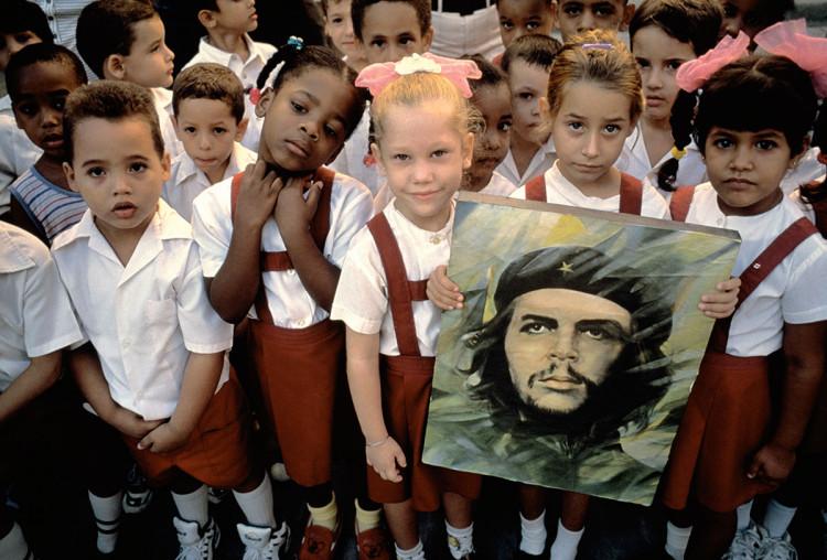 Hawana, Kuba, fot. David Alan Harvey. Zdjęcie wykonane w 1998 r. w dniu urodzin Che Guevary