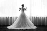 Sesja ślubna w nieciekawym miejscu? Wykorzystaj to, co masz!