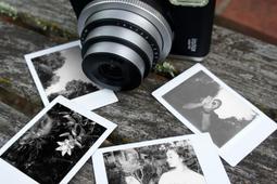 Fujifilm wprowadza czarno-białe wkłady Instax mini