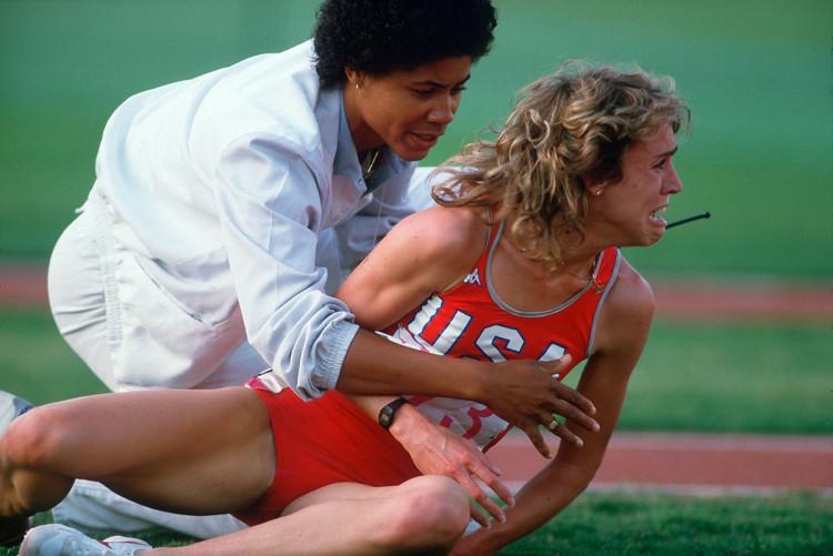 Upadek Mary Decker - igrzyska w Los Angeles 1984 r., fot David Burnett