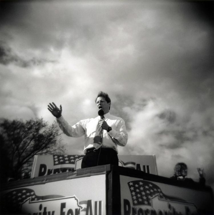 Al Gore przemawia podczas wiecu wyborczego, fot David Burnett