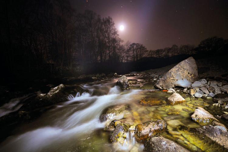 fotografia krajobrazu  w nocy
