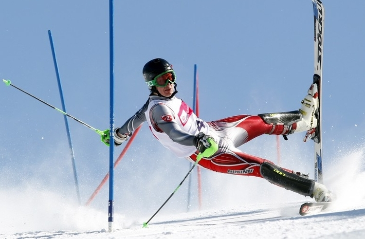 """II nagroda w kat. Akcja sportowa - zdjęcie pojedyncze, """"Slalom action"""", fot. Andrzej Grygiel"""