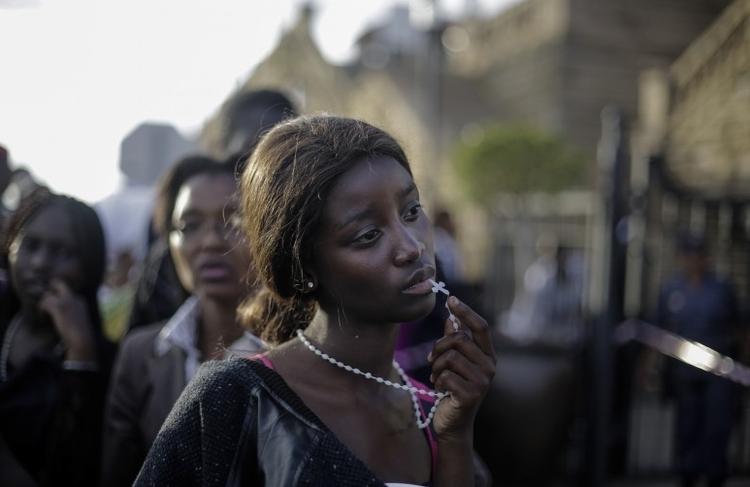 """I nagroda w kat. Portret środowiskowy - zdjęcie pojedyncze, """"Farewell Mandela"""", fot. Markus Schreiber"""