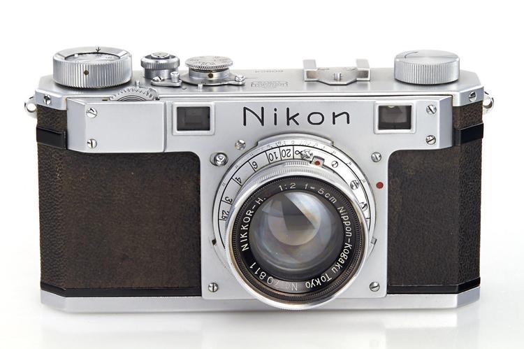 Najstarszy na świecie dalmierz Nikona sprzedany!