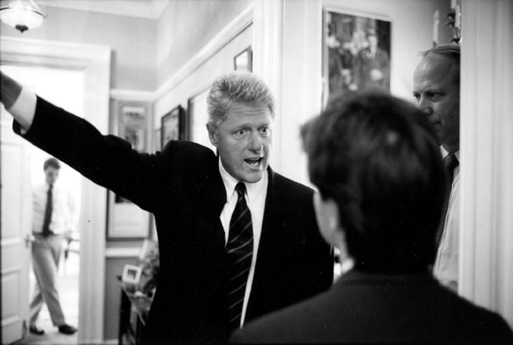 Bill Clinton i George Stephanopoulos fotografia Bob McNeely