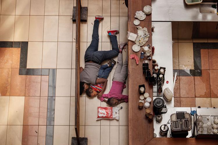 "II nagroda w kat. Spot News - reportaż, ""Massacre at Westgate Mall"", fot. Tyler Hicks"