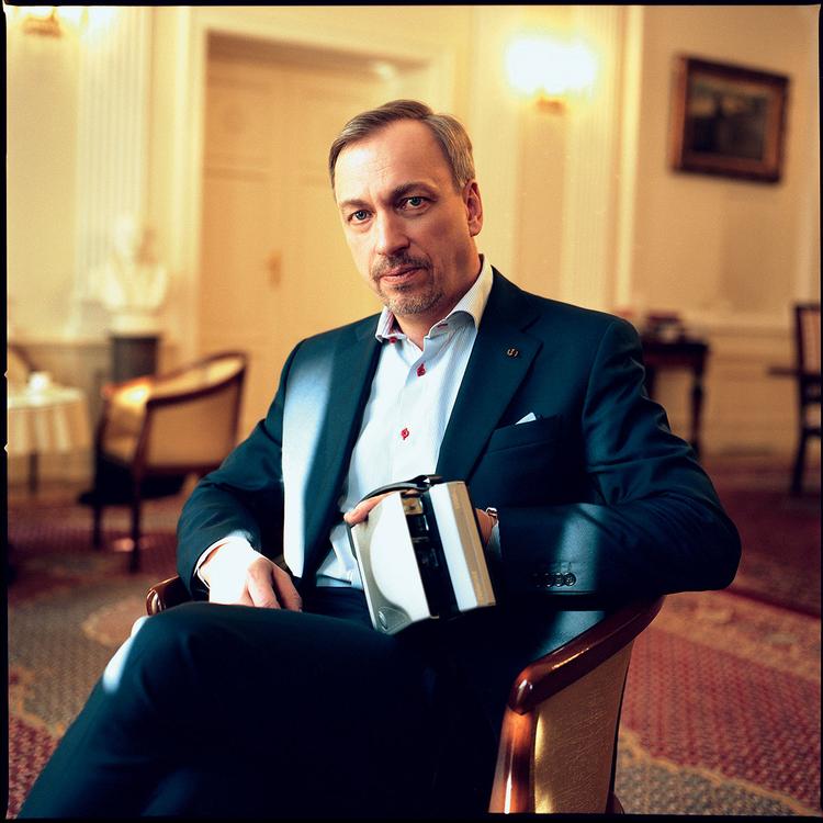 """""""Światłoczuły"""" minister Bogdan Zdrojewski - pasjonat fotografii"""