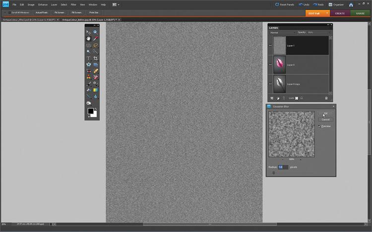 Dorzucamy ziarno Klikamy ikonę Stwórz nową warstwę. Idziemy do Edycja>Wypełnij warstwę. Wybieramy 50% Szarości iklikamy OK. Przechodzimy do Filtr>Szum>Dodaj Szum. Ustawiamy tryb Gaussowski, wartość ustawiamy na 300%. Klikamy OK. By ziarno wyglądało naturalnie, idziemy do Filtr>Rozmycie>Rozmycie Gaussowskie, promień na 1,8.