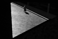 Samotność w wielkim mieście na zdjęciach Ruperta Vandervella