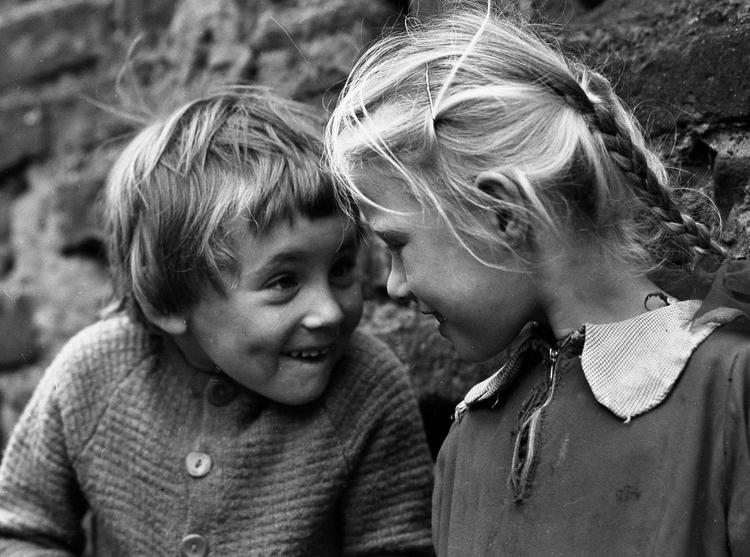 """Wystawa Wiesława M. Zielińskiego """"Dzieciaki. Fotografie 1960-69"""""""