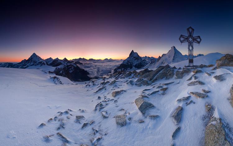 Panorama Alp Walijskich ze skalno-lodowego wierzchołka Tête Blanche, zdjęcie Karol Nienartowicz