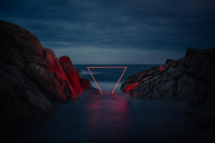 Neonowe konstrukcje w projekcie Nicolasa Rivalsa