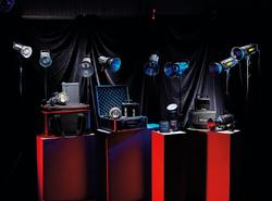 Domowe studio - test 8 studyjnych i przenośnych lamp błyskowych