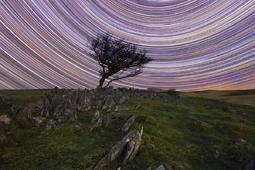 Astrofotografia krajobrazowa - sfotografuj ślady gwiazd i meteory