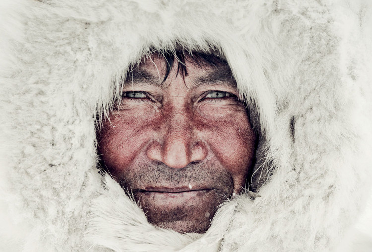 Mężczyzna z ludu Nieńców (Syberia), fot. Jimmy Nelson
