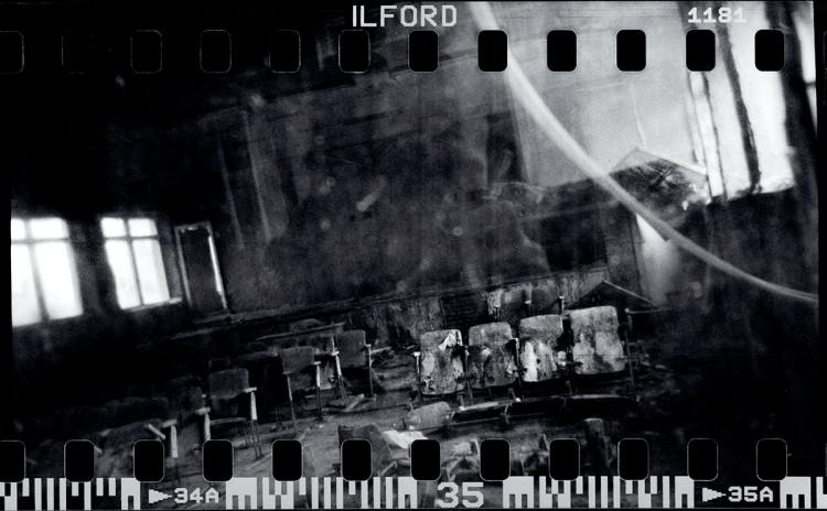 zdjęcie czarno-białe Maciek Nabrdalik - klisza