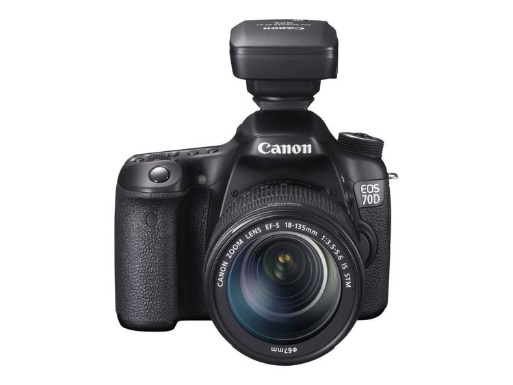 Canon EOS 70D ma wbudowany moduł Wi-Fi ale jest chcąc korzystać z dunkcji geotagowania musimy zaopatrzyć się w zewnętrzny odbiornik GPS montowany na gorącej stopce