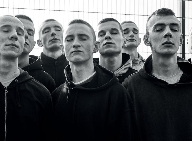 """Zuza Krajewska -  """"Kiedy fotografuję, nie czuję, że pracuję. Żyję""""."""
