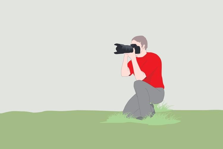 Pozycja klęcząca   Przy środku ciężkości znajdującym się bliżej gruntu, pozycja ta może zapewnić bardziej stabilną podporę, aniżeli pozycja stojąca. Dotyczy to głównie sytuacji, gdy korzystasz z dłuższej i cięższej optyki, która szybciej męczy ręce. Oprzyj łokieć lub ramię o kolano, aby utworzyć coś w rodzaju monopodu pomiędzy stopą a obiektywem.