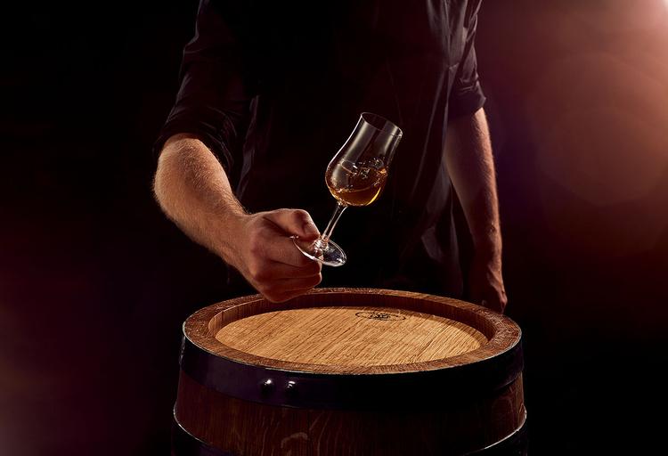 Podejdź do tego na trzeźwo, czyli jak sfotografować butelkę whisky