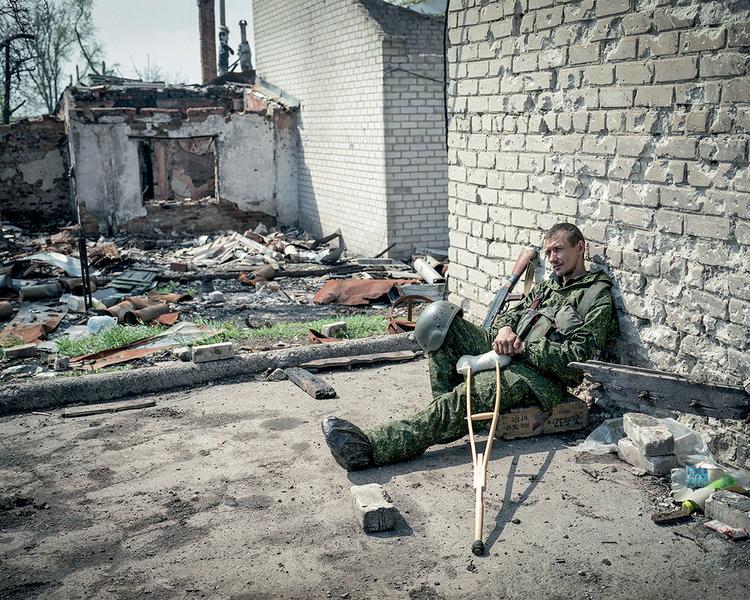 Prorosyjski rebeliant Sergiej. Donieck, 2014 r. Fot. Justyna Mielnikiewicz