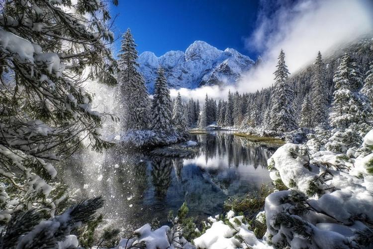 Adam Brzoza - pierwszy śnieg nad Rybim Potokiem