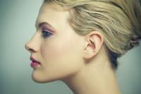 Zdjęcie portretowe z profilu - prosto i efektownie