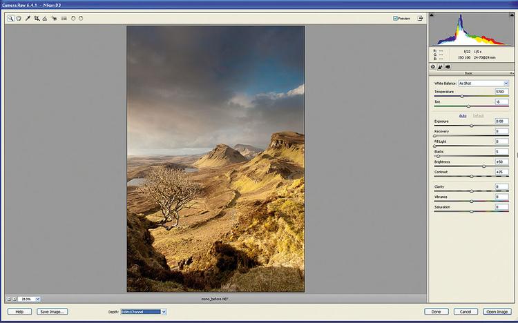 Otwieramy zdjęcie startowe Idziemy do Plik>Otwórz i otwieramy nasze zdjęcie wejściowe. Klikamy Otwórz. Plik RAW Nikona otworzy się w edytorze ACR. Tutaj poprawimy kontrast zdjęcia, operując wartościami tonów, co pomoże nam w wyróżnieniu określonych obszarów zdjęcia.