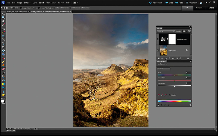 Warstwa Barwa/Nasycenie Cofamy konwersję, wciskając jednocześnie Ctrl+Z. Tradycyjna konwersja do skali szarości korzysta zkolorów i operując nimi, rozjaśnia bądź przyciemnia tony wskali szarości. W Photoshop Elements można imitować tę technikę, wybierając Warstwa>Nowa warstwa dopasowania>Barwa/Nasycenie.