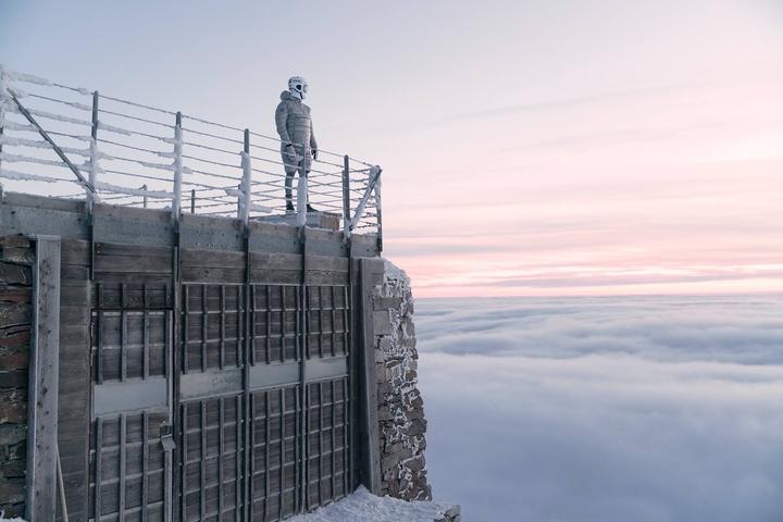 """""""Anomaly"""" Jana Kriwola - futurystyczna sesja reklamowa na Śnieżce"""