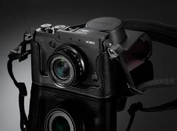 Fujifilm X30 - Pancerny elegant
