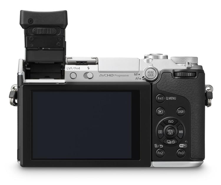 Tylna ścianka aparatu, to obietnica niezłej ergonomii, do dyspozycji mamy wiele programowalnych przycisków szybkiego dostępu