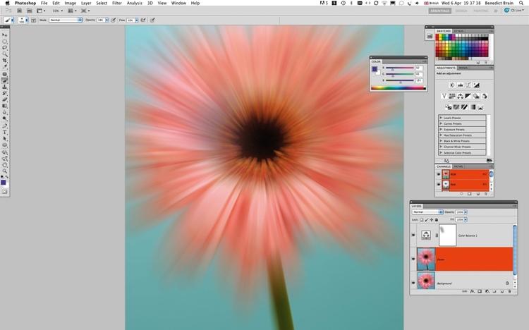 Pomieszajcie koloryUstawienie filtra dokładnie w środku kwiatka może wymagać kilku prób. Gdy będziecie już zadowoleni z efektu, stwórzcie Warstwę dopasowania balans kolorów i pobawcie się suwakami, aż otrzymacie ciekawą kolorystykę.
