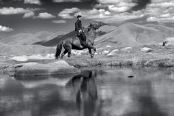 Fotograf w podróży - ucieknij od koloru